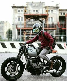 I honestly love what they did with this specialty - Cafe Racer Fans - - Dang yo! I honestly love what they did with this specialty - Cafe Racer Fans Bmw Cafe Racer, Style Cafe Racer, Cafe Racer Build, Cafe Racer Motorcycle, Motorcycle Gear, Women Motorcycle, Motorcycle Style, Motorcycle Design, Bmw Scrambler