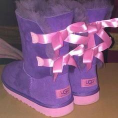 UGG Australia Bailey Bow in Purple/Pink for Girls in Size 3 - NWOT