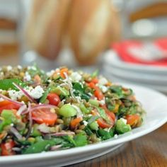 Ready for some salad love? This is an ultra simple recipe both for the salad and its dressing. It's made with fresh, local and organic ingredients that are crisp and bursting with flavor.  The inspiration for this colorful salad comes from the Whole Foods Market near my house. Lately they've been serving a really …