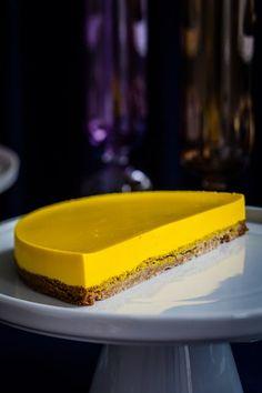 "Lær at lave den verdenskendte ""Sportskage"" fra La Glace Homemade Desserts, Delicious Desserts, Digestive Biscuits, Something Sweet, Cheesecakes, Tray Bakes, Baked Goods, Baking Recipes, Caramel"