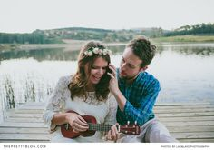 Cute engagement shoot   Photography: Lad & Lass Photography