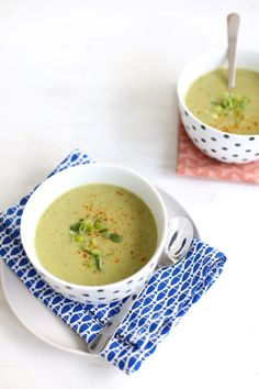 Courgette-pastinaaksoep Pureed Food Recipes, Soup Recipes, Healthy Recipes, Paleo Soup, Healthy Soup, Veggie Soup, Winter Food, Love Food, Veggies