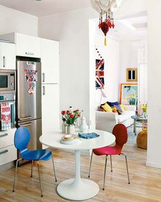 (via Madrid Flat Splashes about Colorfully in Punk & Hippie Stylings The Beautifulist)