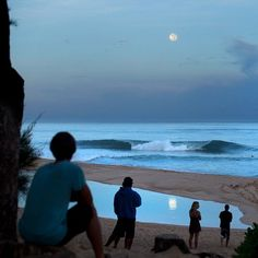 Last @super_moon of 2014. Setting over @pipeline during the first swell of the season, just just half an hour ago... #pipeline #supermoon #aloha