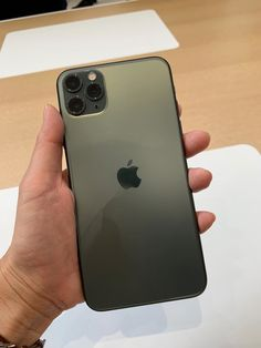 Apple& new product announcements are held every Tuesday on the week of September. Iphone Pro, Iphone 7 Plus, Iphone Cases, Apple Headquarters, Steve Jobs, Free Iphone Giveaway, Apple Mobile, Tablets, Iphone Accessories