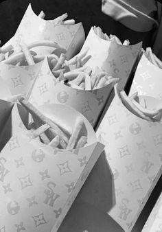 Iphone Wallpaper Tumblr Aesthetic, Black Aesthetic Wallpaper, Iphone Background Wallpaper, Aesthetic Wallpapers, Black And White Picture Wall, Black And White Pictures, Bedroom Wall Collage, Photo Wall Collage, Pink Wallpaper Girly
