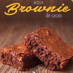 Brownie de cacau - Gabi Cook Fit @gabycookfit -@nutrimaster  Já pensou em comer doces sem culpa? Pois é, com essa receita de brownie de cacau, esse problema não existe!  Ingredientes  3/4 xícara (chá) de Cacau em pó 2 xícaras (chá) de Farinha de Trigo Integral Orgânica 2 xícaras (chá) de Açúcar Demerara 2 colheres (sopa) bem cheias de Farinha de Linhaça 1 colher (chá) de fermento químico em pó 1 colher (chá) de Sal Marinho  1 xícara (chá) de água 1 xícara (chá) de óleo de coco