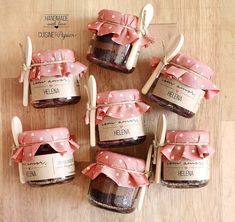 Desserts In A Glass, Dessert In A Jar, Diwali Gift Hampers, Sweet Carts, Honey Packaging, Diy Food Gifts, Cake In A Jar, Food Photography Tips, Food Packaging Design