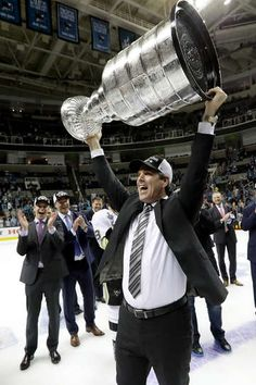 JUNE Mike Sullivan of the Pittsburgh Penguins celebrates with the Stanley Cup after their victory to win the Stanley Cup against the San Jose Sharks in Game Six of the 2016 NHL Stanley Cup Fina Pens Hockey, Hockey Teams, Hockey Players, Ice Hockey, Pittsburgh Sports, Pittsburgh Penguins Hockey, Pitt Penguins, Lets Go Pens, Nhl News
