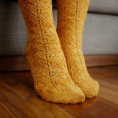Inspired by the unique shape and color of fallen gingko leaves, the Gorgeous Toe-Up Gingko Socks capture the splendor of the season in an unforgettable knit sock pattern you'll display with pride.