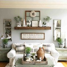 25 Must-Try Rustic Wall Decor Ideas Featuring The Most Amazing Intended Imperfections – Cute DIY Projects Living Room Remodel, Home Living Room, Living Room Designs, Living Room Decor, What A Wonderful World, Farmhouse Living Room Furniture, Living Room Shelves, Country Farmhouse Decor, Farmhouse Style