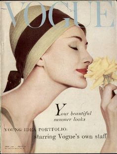 "Vogue UK cover April 1958 ""The Season's various events all demand a hat"" Vogue Magazine Covers, Fashion Magazine Cover, Fashion Cover, Vogue Uk, Vogue Fashion, Vintage Vogue Covers, Magazin Covers, Original Vintage, Balenciaga"