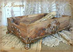 International University of Decoupage Wood Burning Crafts, Wood Crafts, Fun Crafts, Salvaged Wood Projects, Woodworking Projects Diy, Diy Pallet Furniture, Hand Painted Furniture, Diy Furniture Appliques, Creation Deco