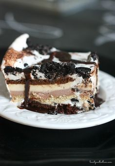 "I continue to be amazed at how easy this ""Oreo Brownie Ice Cream Cake"" is to whip up, yet still has a gourmet twist. It's one of the best desserts to serve a crowd. Never buy an ice cream cake again! #homemade #desserts #icecream"