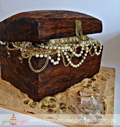 Over the weekend my family and I attended a 'pirate themed' party to celebrate my Aunties birthday. I was asked to make a treasu. Treasure Chest Cake, Pirate Treasure Chest, Pirate Boats, Old Chest, Pirate Theme, 40th Birthday, Amazing Cakes, Red Roses, Pirates