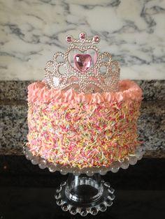 Princess Birthday Cakes: Ideas for Your Party - Novelty Birthday Cakes 2 Year Old Birthday Cake, 4th Birthday Cakes, Novelty Birthday Cakes, 2nd Birthday, Birthday Parties, Birthday Ideas, Barbie Birthday, Birthday Board, Tiara Cake