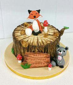 Fox on a tree stump and raccoon birthday cake - Cake by Wendy