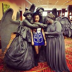 """This Gives a Whole New Meaning To """"The Angels Have The Phone Box"""" [Cosplay]"""