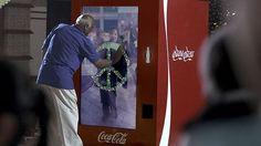 """Coca Cola avvicina India e Pakistan - Coca Cola ha avviato di recente una propria politica di comunicazione volta a dimostrare che anche una multinazionale può prendersi cura di alcuni problemi esistenti al mondo. Fra le altre iniziative ha deciso di adottare il payoff """"open happiness"""" proprio per farsi portatrice di ideali più alti e meno futili."""