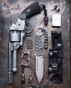 Modern Wild West EDC  https://bastiongear.refersion.com/c/221163 Everyday Carry Gear, Edc Gear, Cool Guns, Fantasy Weapons, Survival Gear, Custom Knives, Fallout Weapons, Weapons Guns, Edc Tools