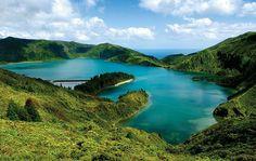 """Faszinierende Landschaft auf São Miguel, Azoren. Aus der Gruppenreise """"Best of Azoren"""", buchbar bei OLIMAR Reisen."""