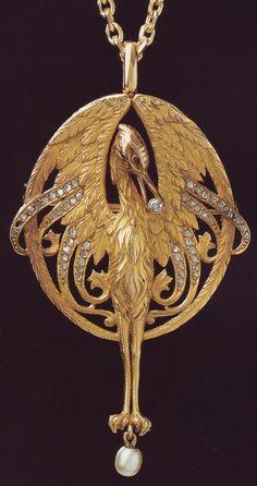 Jewelry Nerd's favorite piece of Masriera jewelry. Which is your favorite? #GoldJewelleryArtNouveau