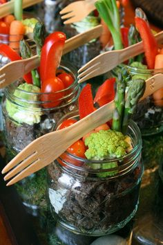 Looking for a unique presentation for serving crudite (vegetables & dip)?  Here is a clever idea inspired by one of our favorite chefs Dan Vernia!