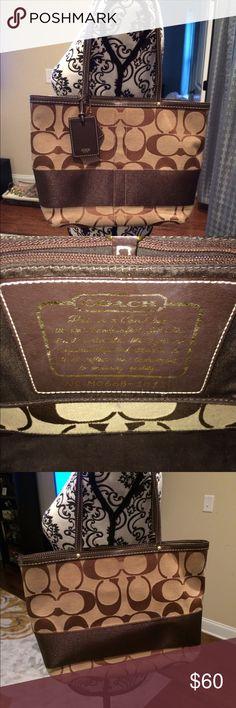 Coach handbag Coach handbag. UIGC great bag. Coach Bags Shoulder Bags