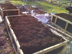 no irrigation raised bed gardening system from Instructables and author SaveOurSkills