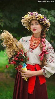 Ukrainian woman wearing a folk costume with traditional embroidery and floral headdress, Ukraine Costume Ethnique, Floral Headdress, Beautiful People, Beautiful Women, Costumes Around The World, Beauty Around The World, Folk Costume, World Cultures, Traditional Dresses