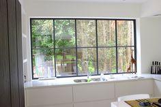 Afbeeldingsresultaat voor steel look ramen in pastorijwoning Interior Windows, Modular Homes, Window Design, Küchen Design, Windows And Doors, Home Buying, Interior Styling, Home Kitchens, Kitchen Decor