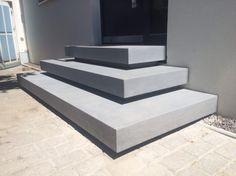 Außentreppe * Treppe aus Beton * modernes Design ohne Geländer * Harr Beton Design