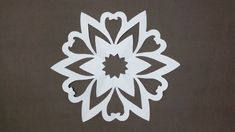 DIY Party Decorations # Paper Heart snowflake tutorial Look here Snowflakes in 4 minutes How To Make Snowflakes, Paper Snowflakes, Paper Craft Making, How To Make Paper, Diy Party Decorations, Pretty Girls, Paper Crafts, Heart, Design