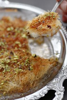 Looking for a great homemade Kanafeh recipe? This one os just for you - so easy to make, served hot and fresh from the pan it's the perfect dessert! Lebanese Recipes, Turkish Recipes, Indian Food Recipes, Israeli Desserts, Israeli Food, Easy Cooking, Cooking Recipes, Pastry Recipes, Lunches