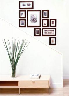 The Wall Decorating Ideas with Family Photographs | yuyukangkang.com