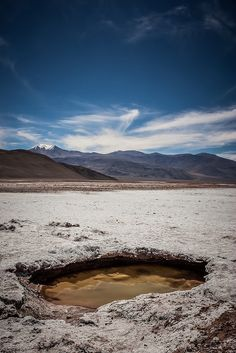 ojo de agua - Salar de Antofalla - Catamarca - Argentina Beautiful World, Beautiful Places, American Country, Amazing Nature, Cool Places To Visit, Beautiful Landscapes, Wonders Of The World, South America, Adventure Travel