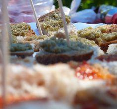 Tartine con #Pate di #Olive #Verdi e #Cedro #Prodotti #Tipici