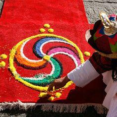 Sand Mandalas in Bhutan Asian Studies, King Photo, Spiritual Development, Himalayan, Big Picture, Sacred Geometry, Asian Art, Art Decor, Kids Rugs