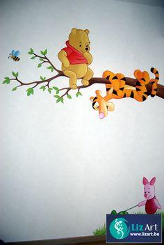 Wandschildering van Pooh en Teigetje op een taken en Knorretje met schildpad