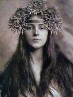 1901 chrysanthemum headband