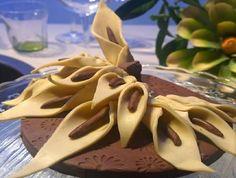"""""""Detto Fatto"""": la ricetta delle calle di cioccolato di Mirco della Vecchia del 7 ottobre 2014."""