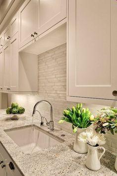 Moderne weiße Küchen - Steinplatte