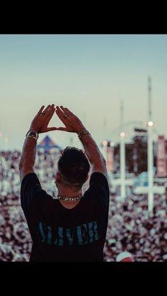 Fitbit, Rap, Greek, Celebrities, Celebs, Wraps, Rap Music, Greece, Celebrity