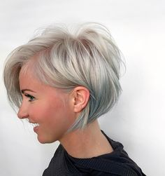 How to make Mermaid Look  Barrell Looks#barrell #mermaid Short Thin Hair, Short Hair Cuts, Short Hair Styles, Pixie Cuts, Short Pixie, Natural Wavy Hair, Natural Hair Styles, Short Angled Bobs, Chin Length Hair