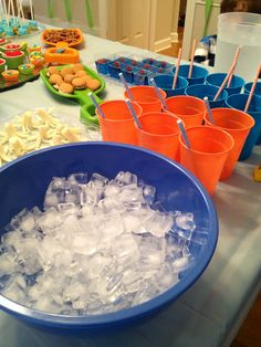 Finding Nemo themed birthday party shark fish ocean food and drinks decorating ideas Star ice cubes