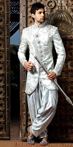 Sherwani having fusion of Western and Indian fashion is known as Indo Western Sherwani. They are the result of exposure of Indian Ethnic wears to the Western world.