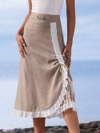 Прямая юбка с асимметричным фигурным рельефом