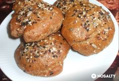 Teljes kiőrlésű zsemle házilag Bread Recipes, Diet Recipes, Vegan Recipes, Salty Foods, Paleo, Cooking Together, Sweet And Salty, How To Make Bread, Food Menu