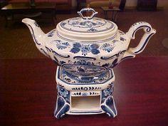 Vintage Delfts Blauw Teapot on Warming Stand