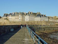balade sur le mole des noires - Saint-Malo, Bretagne